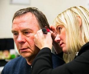badanie słuchu przez lekarza