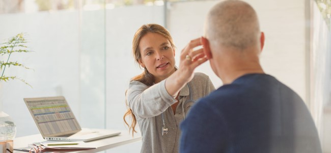 Na czym polega testowanie słuchu?